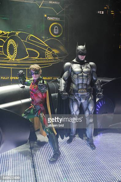 Batman Live Arena Show Mit Batman Robin Und Dem Batmobil In News Photo Getty Images