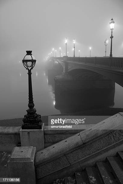 battersea bridge in the fog - river thames stock pictures, royalty-free photos & images