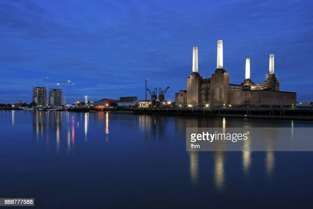 battersea power station at blue hour (london, uk) - battersea stock pictures, royalty-free photos & images
