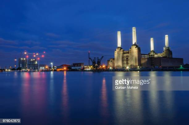 battersea power station at night, london, england, uk - battersea stock pictures, royalty-free photos & images