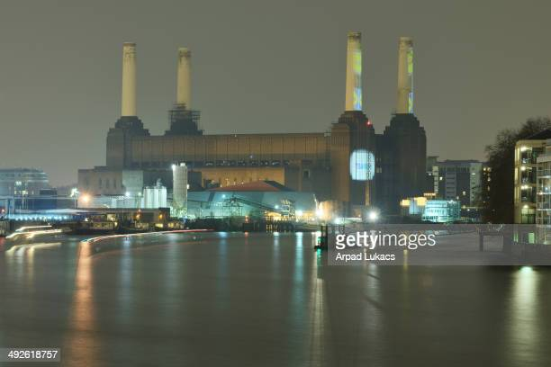 CONTENT] Battersea Power Station in London photographed at night