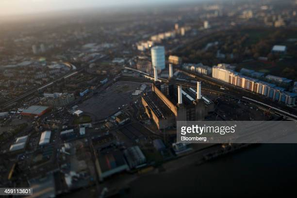 Battersea Power Station owned by Malaysian consortium SP Setia Bhd and Sime Darby Bhd stands on the bank of the River Thames in this aerial...