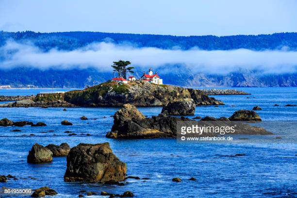battery point lighthouse crescent city - newport ca stock pictures, royalty-free photos & images