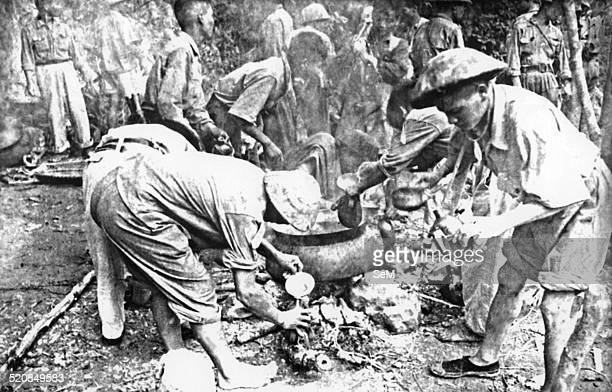Battle of Diem Bien Phu 1954Dien Bien Phu Vietminh cooks serve water on the way of operation