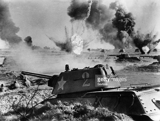 Battle of stalingrad, soviet t-34 tanks in battle, 1942 or 1943.