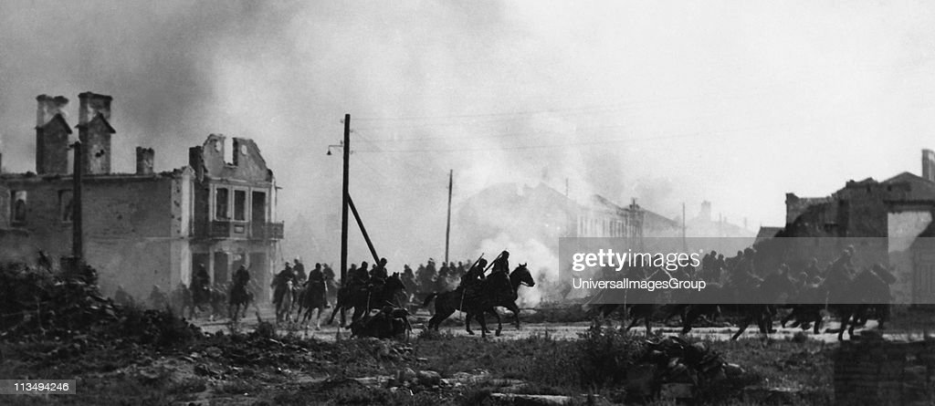 Battle of the Bzura. Polish cavalry in Sochaczew in 1939.World War II... : News Photo
