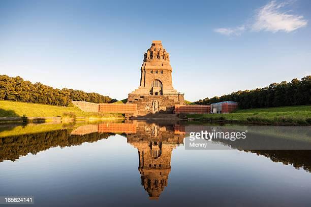kampf der nationen monument leipzig - sehenswürdigkeit stock-fotos und bilder
