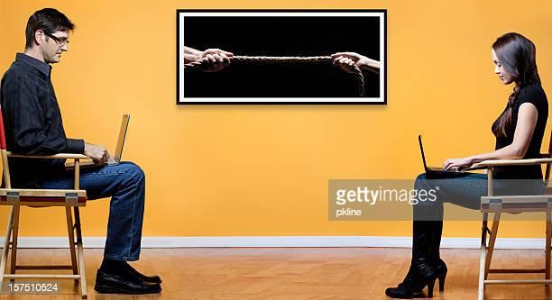 男女の争いのコンセプト - 男女の争い ストックフォトと画像