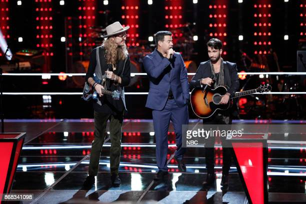 THE VOICE 'Battle Rounds' Pictured Dennis Drummond Carson Daly Mitchell Lee