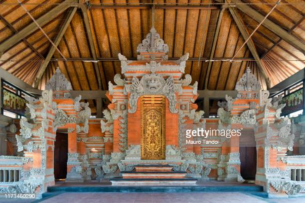 batuan temple, ubud, bali island - mauro tandoi stock pictures, royalty-free photos & images