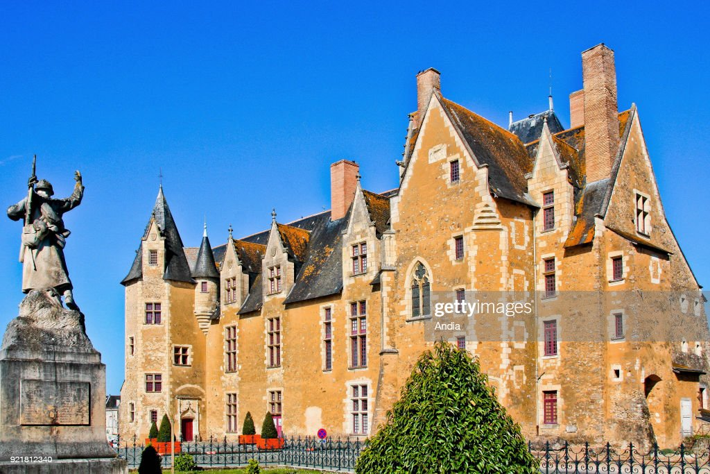 the chateau, pre-Renaissance style, listed as a National Historic Landmark (French 'Monument Historique').