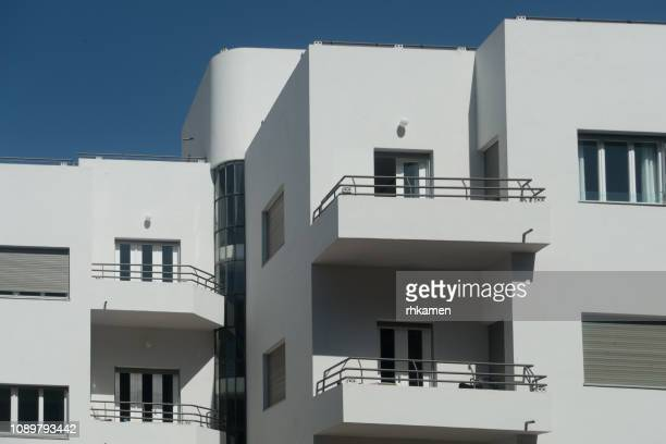 bauhaus architecture, tel aviv, israel - bauhaus art movement stock pictures, royalty-free photos & images