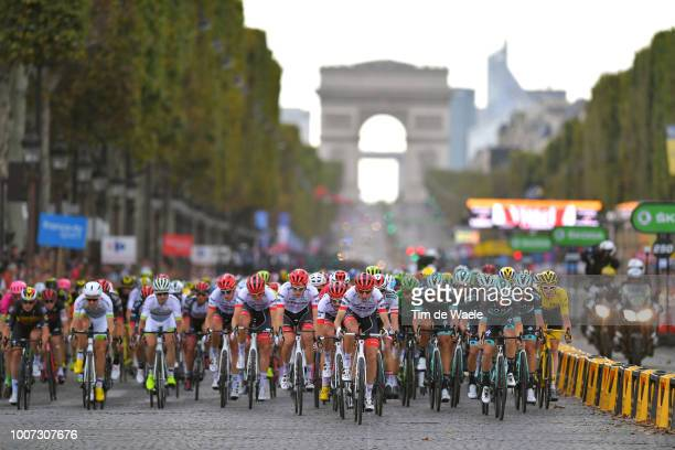 Bauke Mollema of The Netherlands and Team Trek Segafredo / Geraint Thomas of Great Britain and Team Sky Yellow Leader Jersey / Paris City / Arc De...