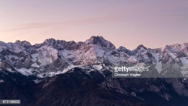 bavaria alps - wettersteingebirge - cordilheira - fotografias e filmes do acervo
