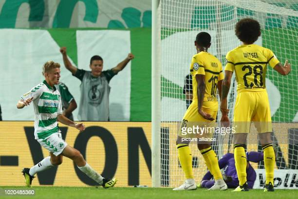 Football DFB Cup SpVgg Greuther Fürth Borussia Dortmund 1st round at Sportpark Ronhof Thomas Sommer Sebastian Ernst from Fürth celebrates his 10 goal...