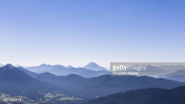 bavarian alps - chiemgau - gebirge stock-fotos und bilder