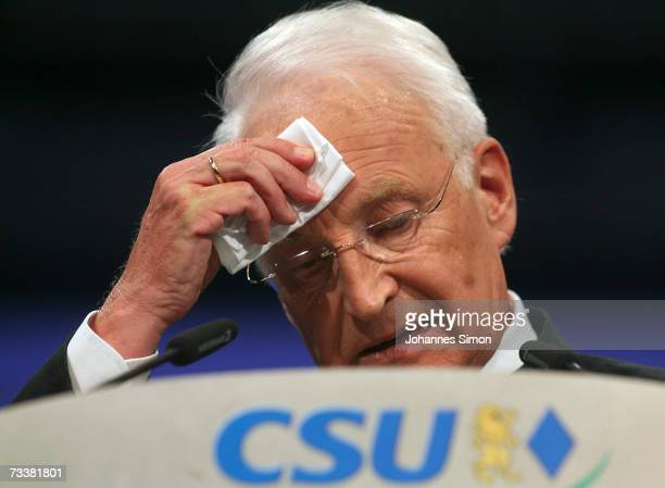 Bavarian Governor Edmund Stoiber delivers a speech during the traditional Ash Wednesday rally on February 21 2007 in Passau Germany The political...