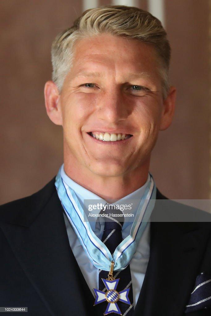 Bavarian Prime Minister Dr. Markus Soeder honors Bastian ...