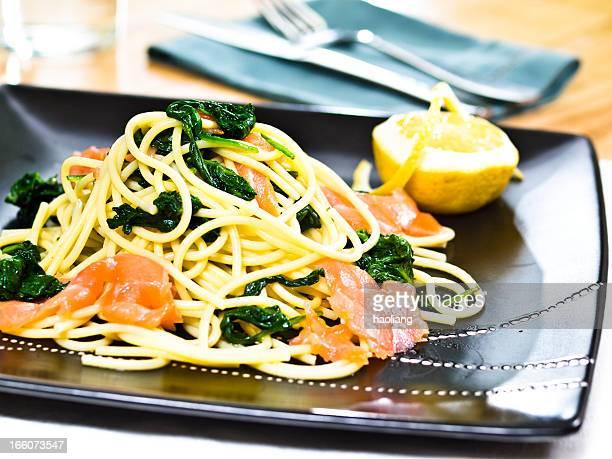 Bavettine avec saumon fumé & aux épinards