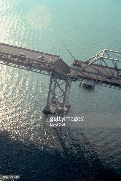 bay bridge damaged by earthquake - loma prieta earthquake stock pictures, royalty-free photos & images