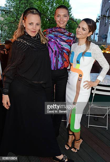 Bay Garnett Arizona Muse and Maria Hatzistefanis attend a private dinner hosted by Rodial founder Maria Hatzistefanis Bay Garnett at Casa Cruz on May...