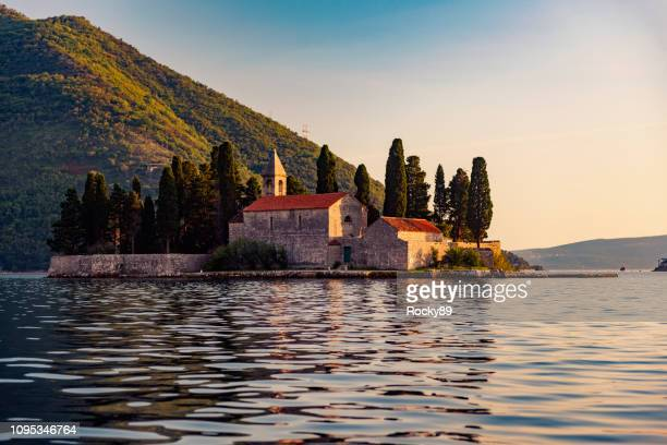 bay of kotor – unesco world heritage site, our lady of the rocks church - montenegro imagens e fotografias de stock