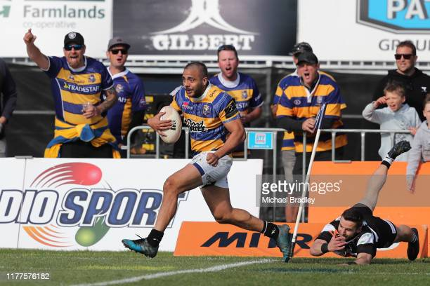 Bay of Plenty's Chase Tiatia runs away for a try during the round 8 Mitre 10 Cup match between Bay of Plenty and Hawke's Bay at Tauranga Domain on...