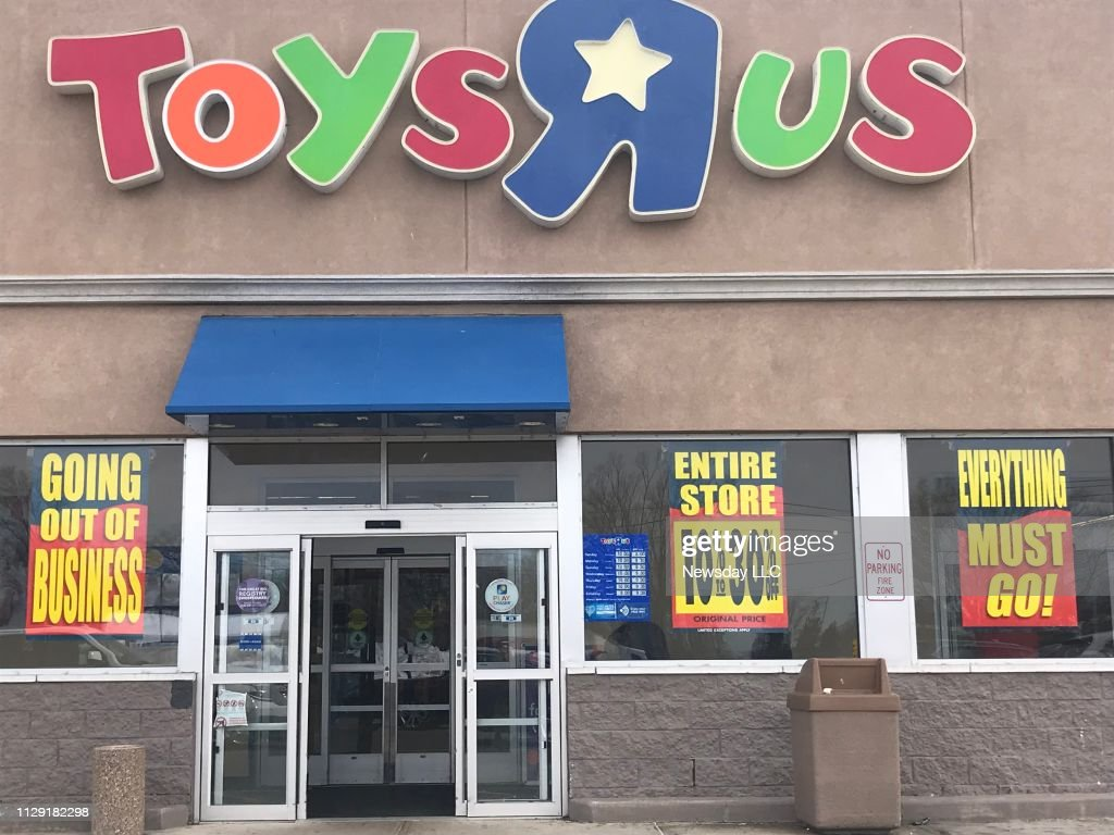 Going out of business signs at Toys R Us on Long Island : News Photo