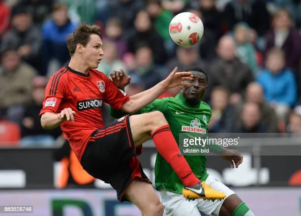 FUSSBALL 1 BUNDESLIGA SAISON Bayer 04 Leverkusen SV Werder Bremen Philipp Wollscheid gegen Joseph Akpala