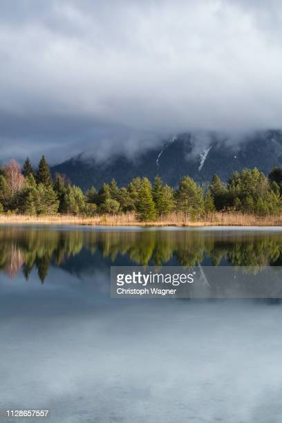 bayerische alpen - mittenwald and isar - reise stock pictures, royalty-free photos & images