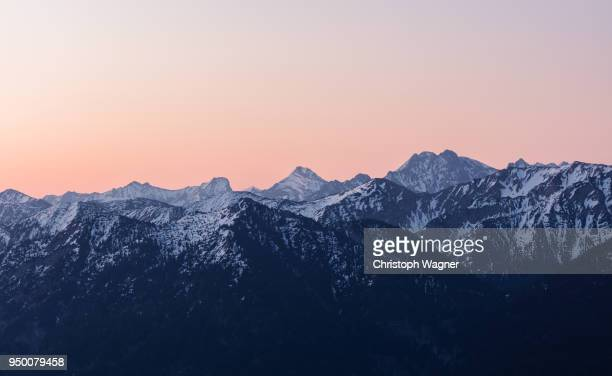 bayerische alpen - mountain range stock pictures, royalty-free photos & images