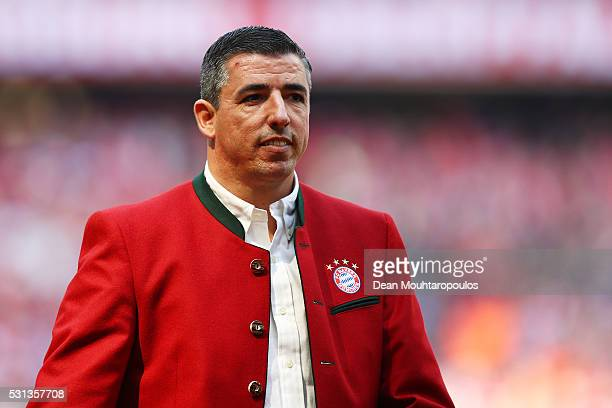 Bayern Legend Roy Makaay is introduced prior to the Bundesliga match between FC Bayern Muenchen and Hannover 96 at Allianz Arena on May 14, 2016 in...