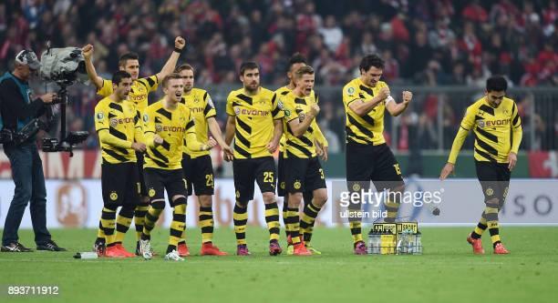 FUSSBALL FC Bayern Muenchen Borussia Dortmund Borussia Dortmund Henrikh Mkhitaryan Sebastian Kehl Marco Reus Marcel Schmelzer Sokratis Erik Durm Mats...