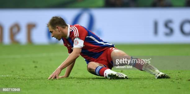 FUSSBALL FC Bayern Muenchen Borussia Dortmund Philipp Lahm enttaeuscht nach verschossenem Elfmeter