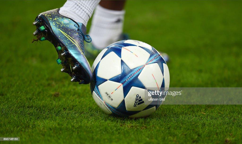 Adidas Dinamo Nike mit Ball Muenchen Bayern CHL dem Zagreb lc1JFK