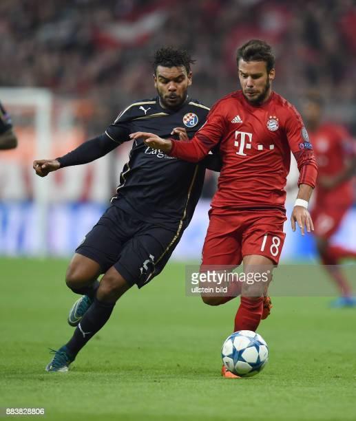FUSSBALL FC Bayern Muenchen Dinamo Zagreb El Arabi Hilal Soudani gegen Juan Bernat