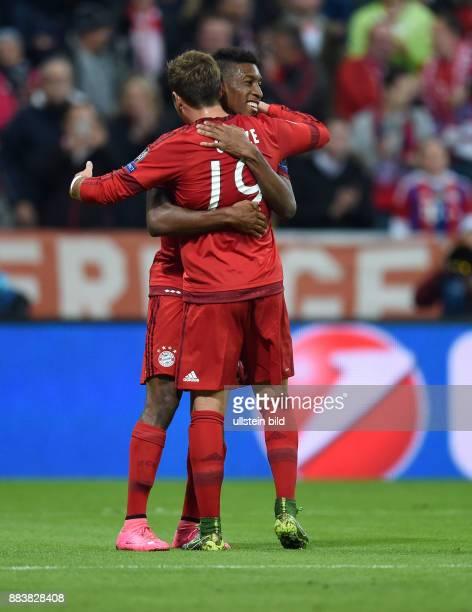 Bayern Muenchen - Dinamo Zagreb Torjubel: Mario Goetze und Kingsley Coman