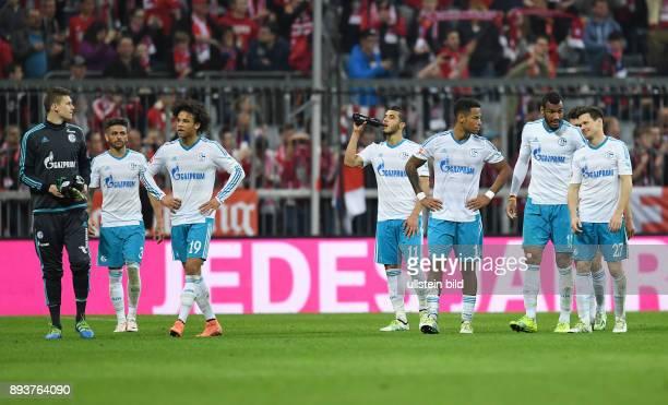 FUSSBALL 1 BUNDESLIGA SAISON FC Bayern Muenchen FC Schalke 04 Entaeuschung FC Schalke 04 Torwart Alexander Nuebel Junior Caicara Leroy Sane Younes...