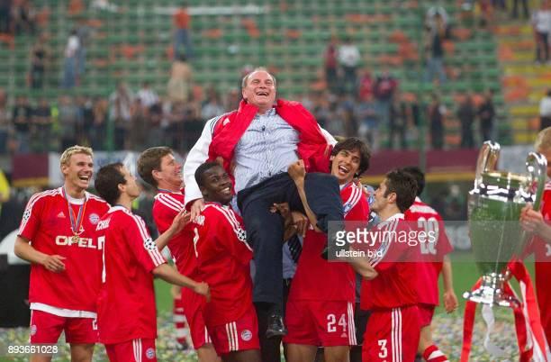 FUSSBALL CHAMPIONSLEAGUE FINALE SAISON 5 n E Bayern Muenchen Alexander Zickler Mehmet Scholl Michael Tarnat Samuel Kuffour Roque Santa Cruz und...