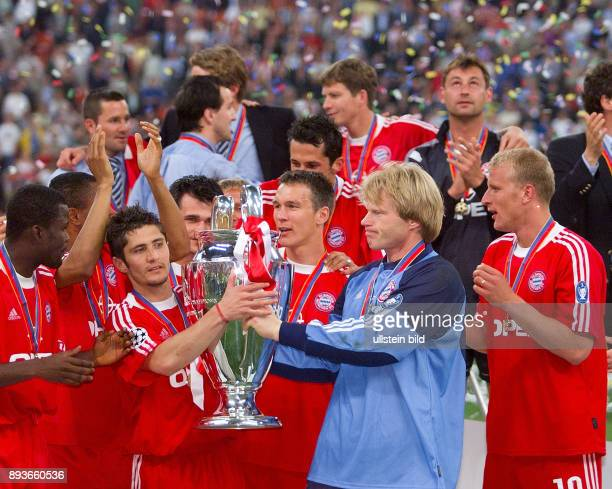 FUSSBALL CHAMPIONSLEAGUE FINALE SAISON 5 n E Bayern Muenchen Samuel Kuffour Bixente Lizarazu Willy Sagnol Patrick Andersson Torwart Oliver Kahn und...