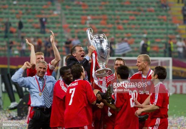 FUSSBALL CHAMPIONSLEAGUE FINALE SAISON 5 n E Bayern Muenchen Stefan Effenberg Thorsten Fink Samuel Kuffour Mehmet Scholl Patrick Andersson Hasan...