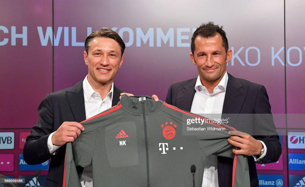 FC Bayern Muenchen Press Conference : News Photo