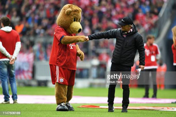 Bayern Muenchen mascot Berni is seen prior to the Bundesliga match between FC Bayern Muenchen and Hannover 96 at Allianz Arena on May 04 2019 in...