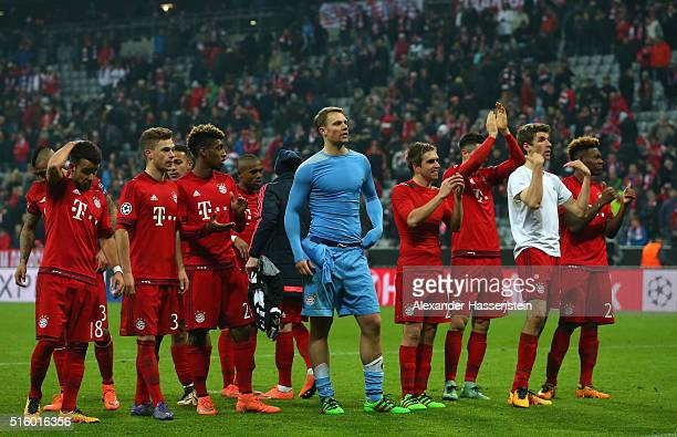 Bayern Muenchen players celebrate their 42 win in the UEFA Champions League round of 16 second Leg match between FC Bayern Muenchen and Juventus at...