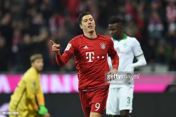 Bayern Muenchen - SV Werder Bemen Torjubel nach dem 4:0: Robert Lewandowski
