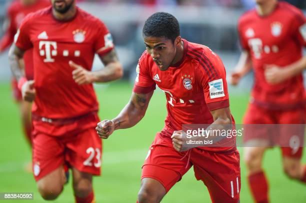 Bayern Muenchen - VfB Stuttgart Torjubel: Douglas Costa