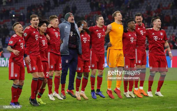 Bayern Munich celebrate after the match during the UEFA Champions League Group E match between FC Bayern Muenchen and SL Benfica at Fussball Arena...