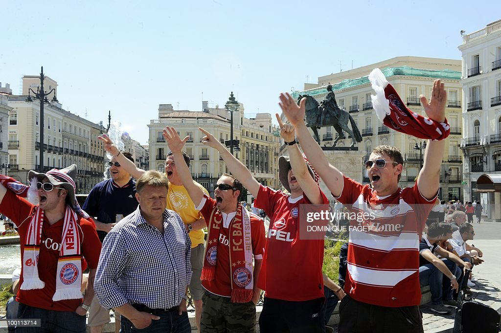 Bayern Munich supporters gather at the Puerta del Sol in Madrid on May 21, 2010 ahead of the UEFA Champions League football final. Inter Milan will face Bayern Munich for the UEFA Champions League final match to be played at the Santiago Bernabeu Stadium in Madrid on May 22, 2010.