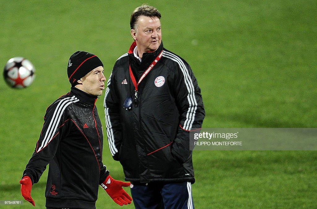 Bayern Munich's Dutch middfielder Arjen : News Photo