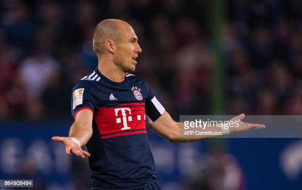 Bayern Munich's Dutch midfielder Arjen Robben reacts during the German first division Bundesliga football match between Hamburg SV and FC Bayern...